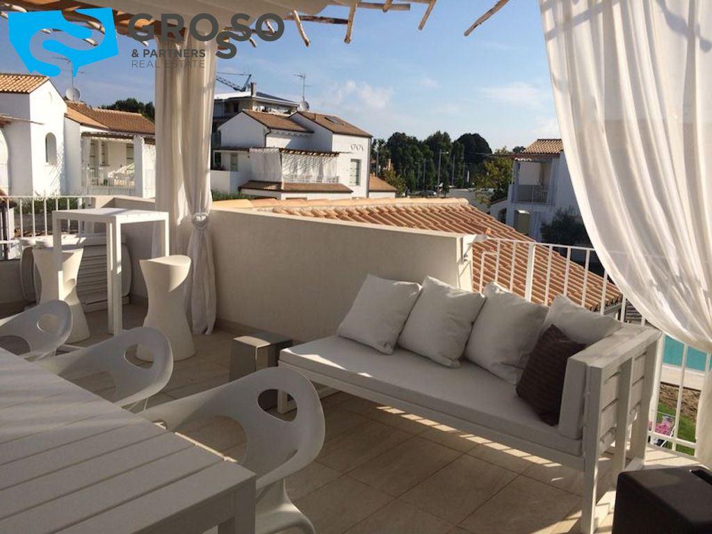 Vendita appartamento 2 camere a jesolo grosso partners for Ometto arredamenti
