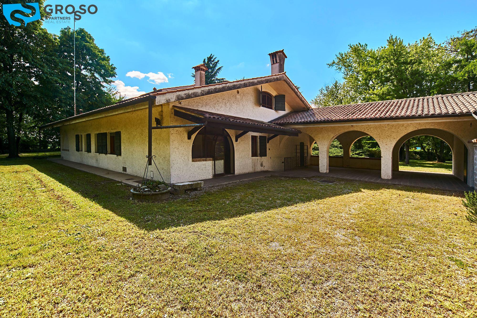 Vendita casa singola a ponzano veneto grosso partners for Case in vendita